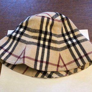 Burberry Nova Bucket Hat